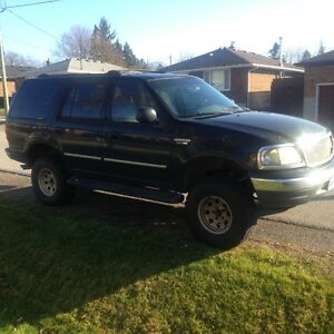 2000 Ford Expedition SUV, Crossover