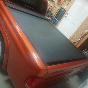 Dodge Dakota roll out tonneau box cover (Pace Edwards)