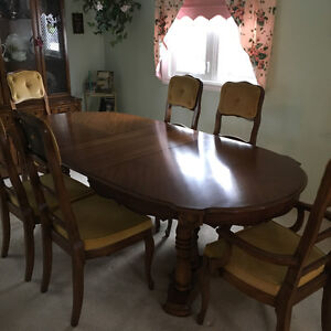 Duncan Fife Table And Chairs Kijiji Free Classifieds In