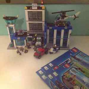 Various complete Lego sets + instructions