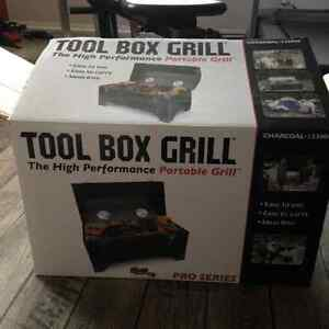 CHARCOAL TOOLBOX GRILL