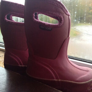 Toddle Girls  Bogs size 8