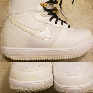 $175 or Best offer 9 womens/7.5 mens Nike Air force 1 Snowboard