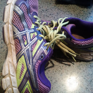 Running Shoes - Kids Asics