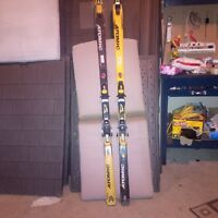 downhill skis and bindings