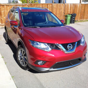 2014 Nissan Rogue - FULLY LOADED