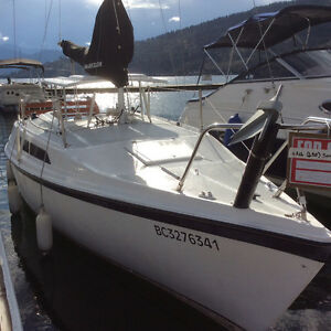 MacGregor 26 ft Sailboat