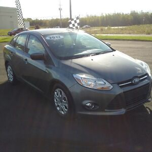 2012 FORD FOCUS SE!! ONLY $6995.00 FREE SNOWBLOWER!!