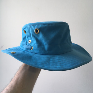 Tilley hat - UN blue - new with tags