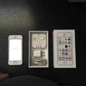 Mint Condition I Phone 5s Gold/White