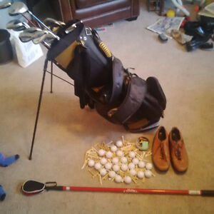 Right handed Golf set awesome package deal