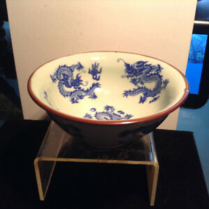 Antique Chinese Ming Hand-painted Blue and White Dragon Bowl - w