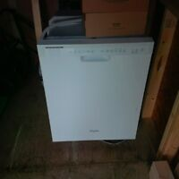 WhirlPool Dishwasher- Like NEW