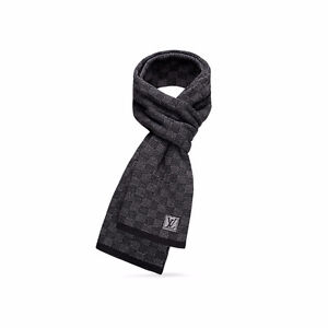 Louis Vuitton Luxury Checkered Scarf