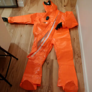 Dräger CPS 5800 CHEMICAL PROTECTION SUIT, NEW – SIZES L & XL