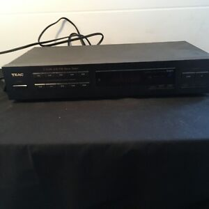 TEAC T-X110 AM/FM Stereo Tuner / Radio