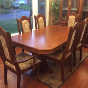Dinning Table With Hutch Buffet