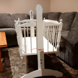 Bassinet Stratford Kitchener Area image 3