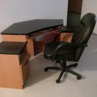 CORNER DESK AND CHAIR, FREE - PICK UP ONLY