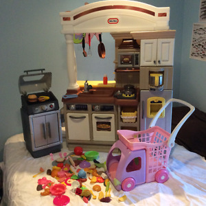 Little tikes Kitchen with BBQ and Shopping Cart