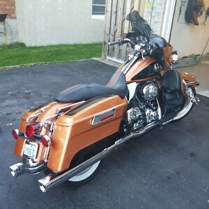 2008 FLHTCU ANNIVERSERY EDITION - $5500 IN EXTRAS