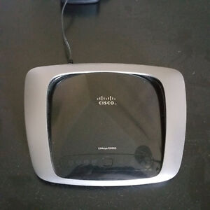 Cisco Linksys E2000 wireless router