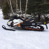Ski-Doo Summit X 2011