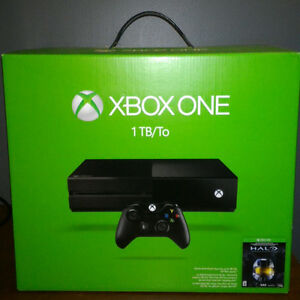 USED XBOX ONE 1TB, 1 CONTROLLER, 5 GAMES. ORIGINAL CABLES, CASES