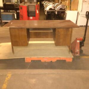 desk wood veneer London Ontario image 1