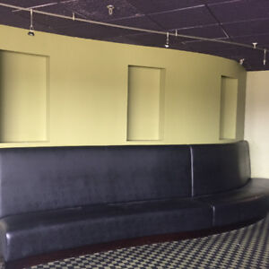 BOOTH AND BANQUETTE SEATING