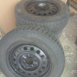 Michelin X-ICE  195/65 R15 on Steel Wheels