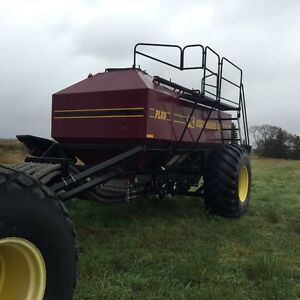2008 SEEDHAWK  66 ft DRILL 500 TANK.....OFFERS Regina Regina Area image 1