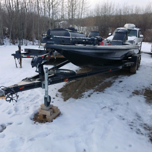 Skeeter ZX210 Shallow Draft Bass / Fishing Boat
