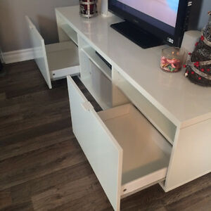 Ikea Byas TV Bench - Excellent condition. High-gloss white. Peterborough Peterborough Area image 3