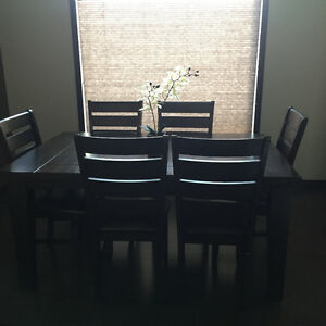 Dining Room Table Set with 6 Chairs