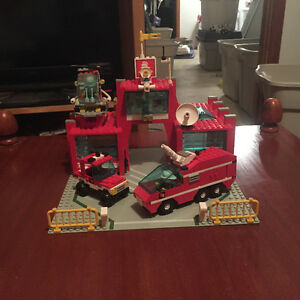 Vintage lego # 6389 Fire Control Center complete