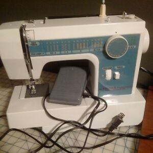 Signer Professional School Edition Sewing Maching