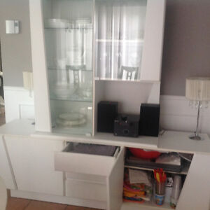 White wall unit/display cabinet