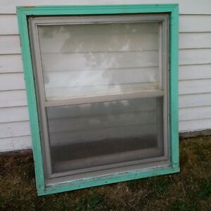 Wooden Double Hung Windows with Aluminum Storms & Screens