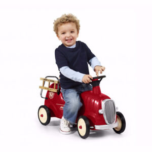 Radio Flyer Little Red Fire Engine Ride on Push car all metal