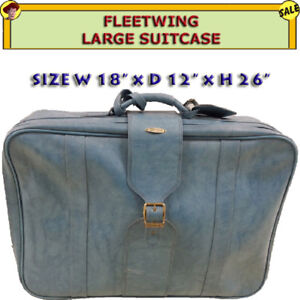 FLEETWING LARGE SUITCASE IN EXCELLENT CONDITION