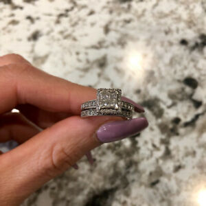Vintage Style Engagement Ring and Wedding Band
