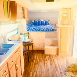 29 Ft Fifth Wheel Immaculately Maintained Sleeps 4