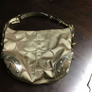 COACH PURSE - GOLD