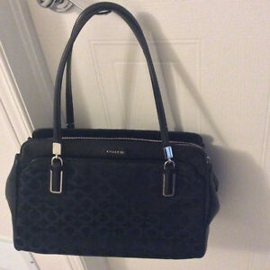 Coach handbag and matching wallet Cambridge Kitchener Area image 4