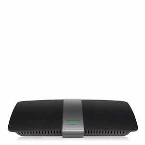 """LINKSYS AC1200 Dual Band """"Smart"""" Wi-Fi Router"""