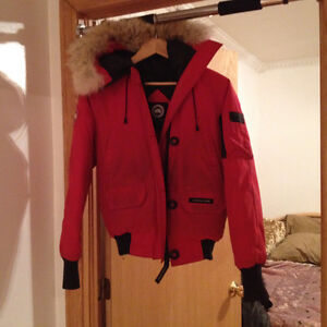 Red Canada Goose Winter Jacket West Island Greater Montréal image 3