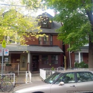 3 bedroom/2 Washroom - 352 Montrose Ave (Little Italy) - $2,200