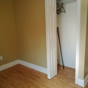 Room for rent to Loyalist student Belleville Belleville Area image 3