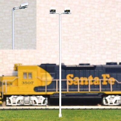 S052 - 4 Stück Flutlichtstrahler 11,5cm Flutlicht mit 2 LED Strahler am Mast